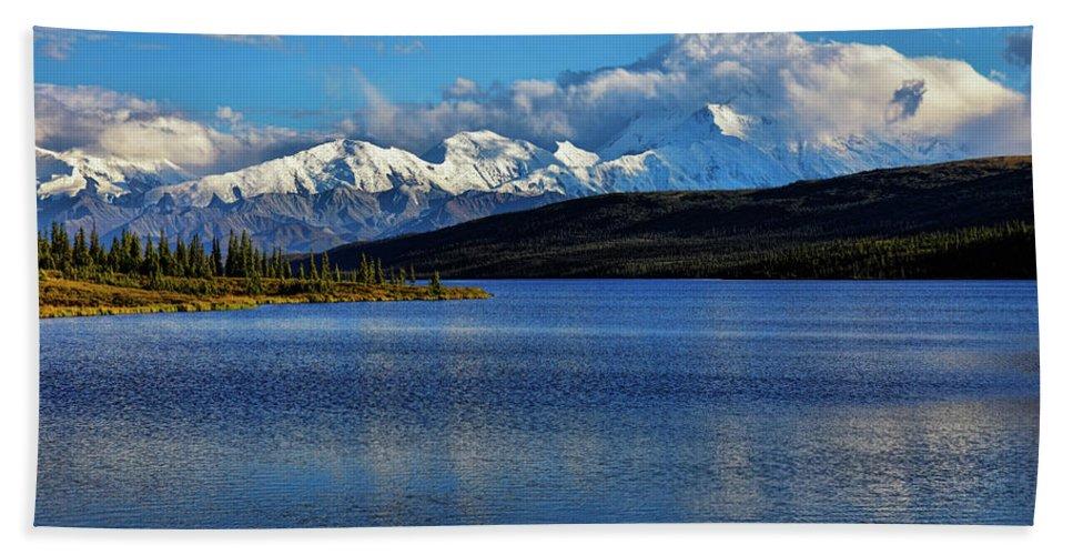 Denali Hand Towel featuring the photograph Wonder Lake by Rick Berk