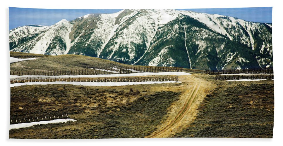 Wyoming Hand Towel featuring the photograph Wyoming Road by Marilyn Hunt