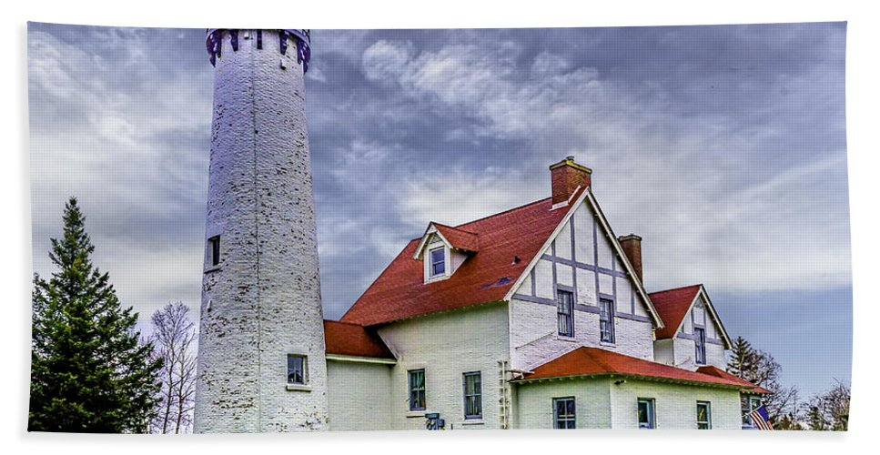 Iroquois Bath Sheet featuring the photograph Lighthouse At Point Iroquois by Nick Zelinsky