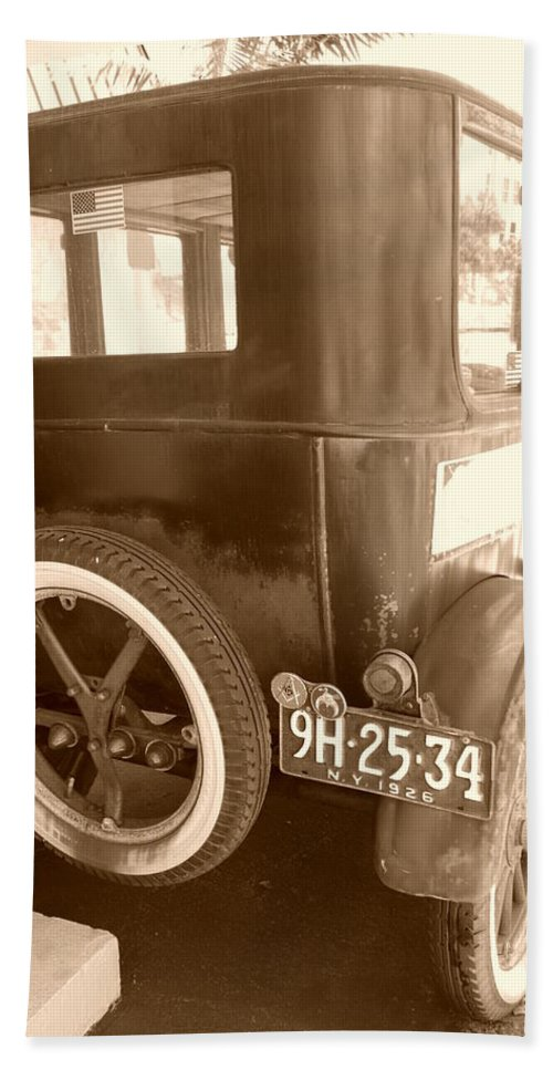 Sepia Bath Towel featuring the photograph 1926 Model T Ford by Rob Hans
