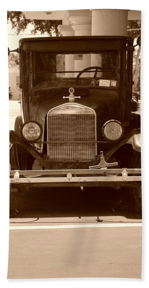 Sepia Bath Sheet featuring the photograph 1926 Model T by Rob Hans