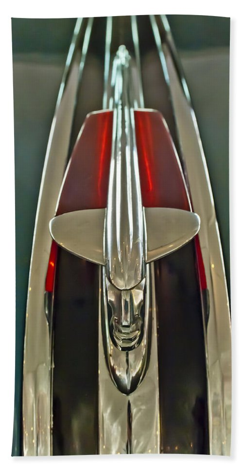 1948 Pontaic Streamliner Woody Wagon Hand Towel featuring the photograph 1948 Pontiac Chief Hood Ornament by Jill Reger