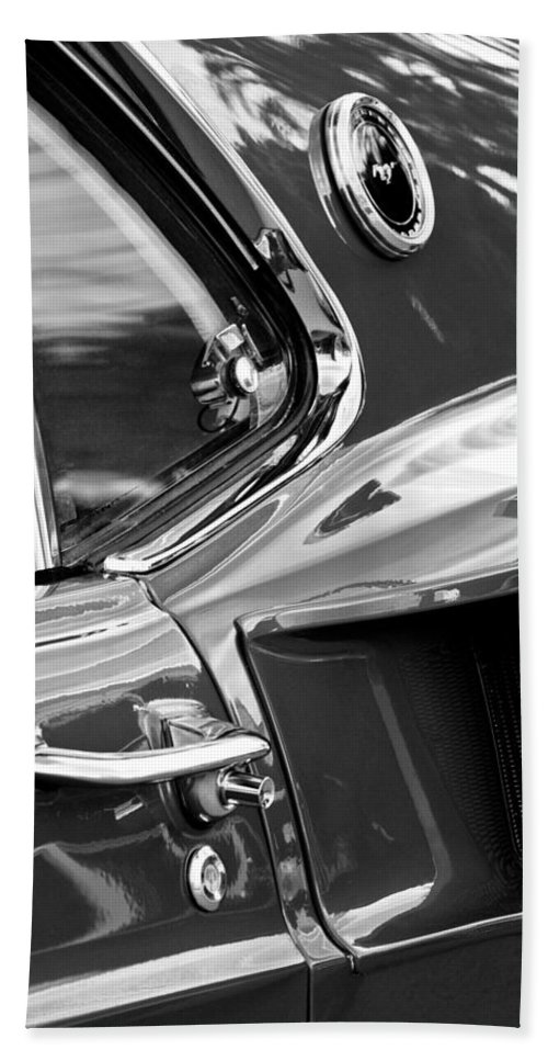 1969 Ford Mustang Mach 1 Hand Towel featuring the photograph 1969 Ford Mustang Mach 1 Side Scoop by Jill Reger