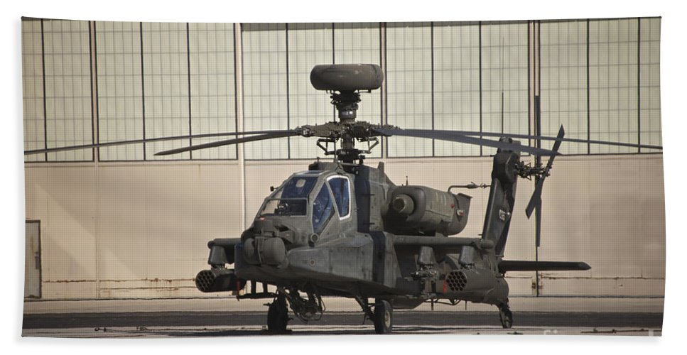Exercise Angel Thunder Bath Sheet featuring the photograph Ah-64d Apache Longbow At Pinal Airpark by Terry Moore