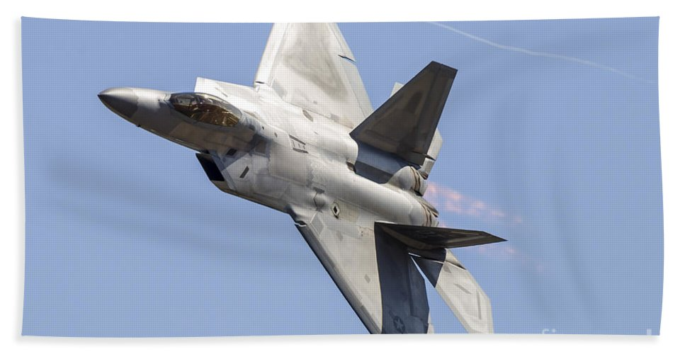 California Bath Sheet featuring the photograph An F-22a Raptor Of The U.s. Air Force by Rob Edgcumbe