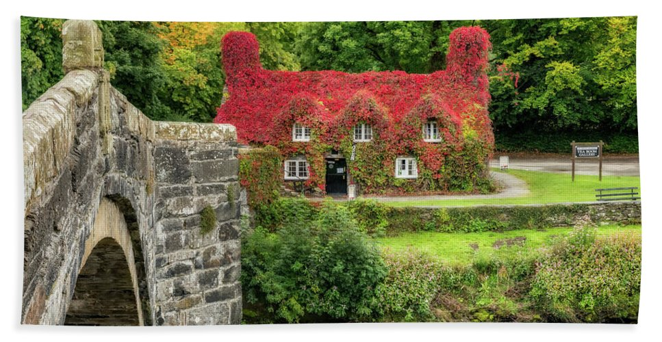 Autumn Hand Towel featuring the photograph Autumn Cottage by Adrian Evans