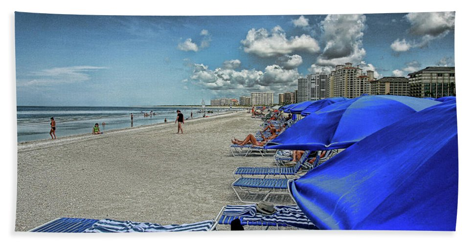 Beach Holiday Bath Sheet featuring the photograph Beach Holiday by Artie Rawls