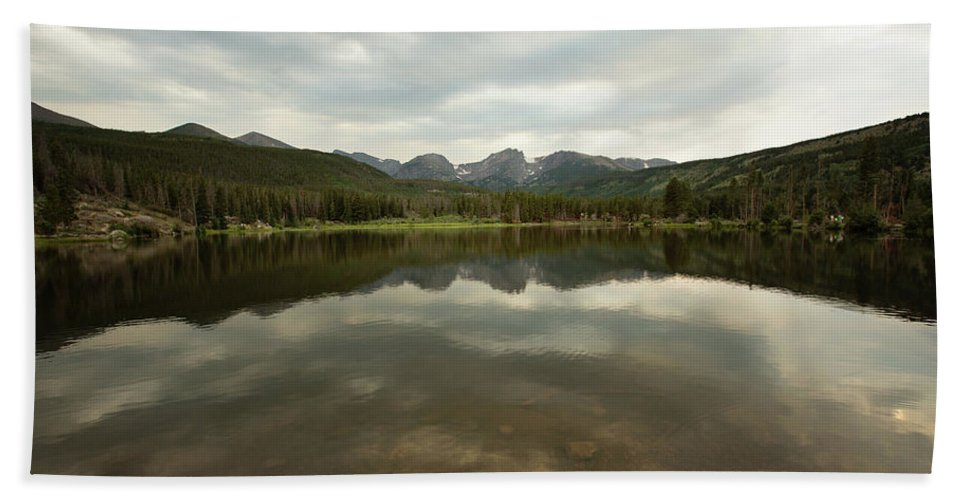 Landscapes Hand Towel featuring the photograph Bear Lake by Sue Collura