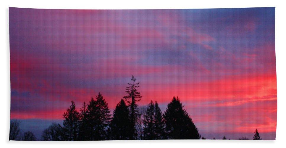 Sunrise Bath Sheet featuring the photograph Beautiful Sunrise by Nick Gustafson