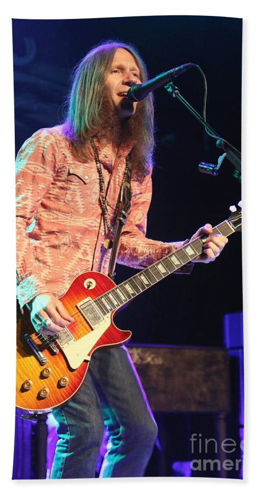 Singer Hand Towel featuring the photograph Blackberry Smoke Charlie Starr by Concert Photos