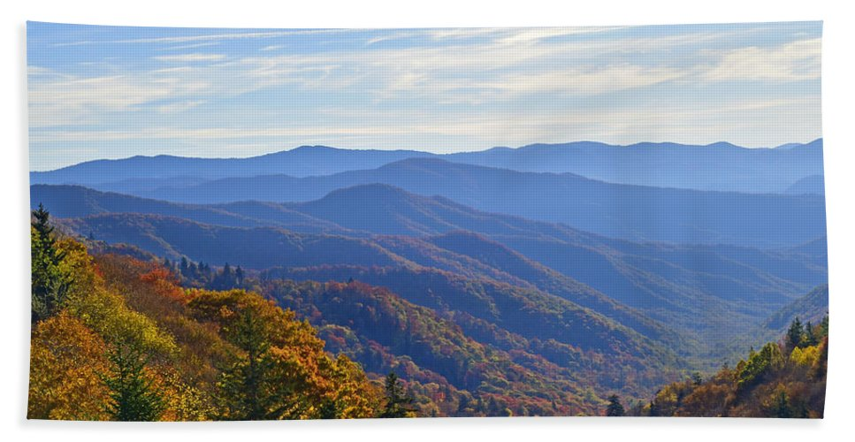 Ann Keisling Bath Towel featuring the photograph Blue Ridge Parkway View by Ann Keisling