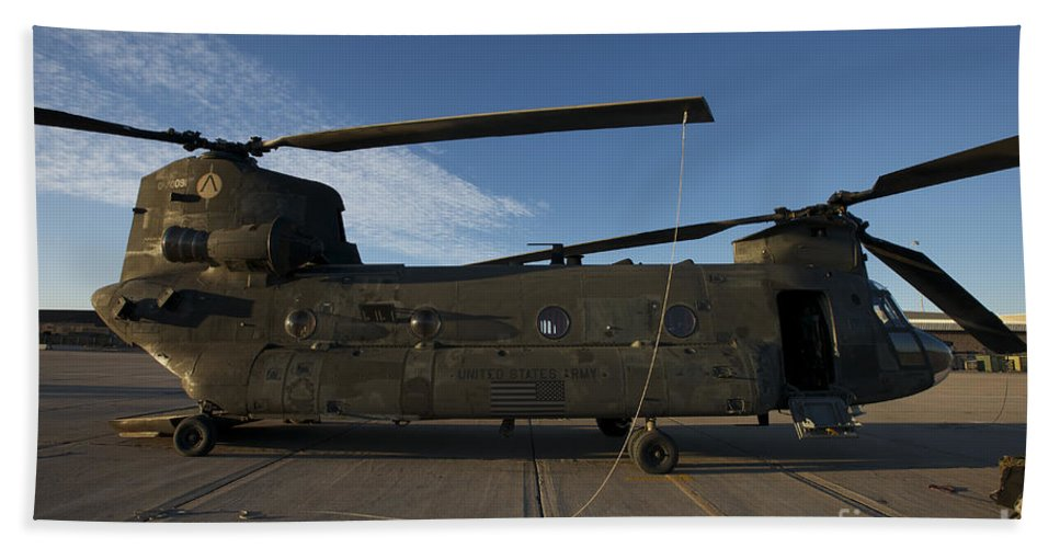 Exercise Angel Thunder Bath Sheet featuring the photograph Ch-47 Chinook Helicopter On The Tarmac by Terry Moore