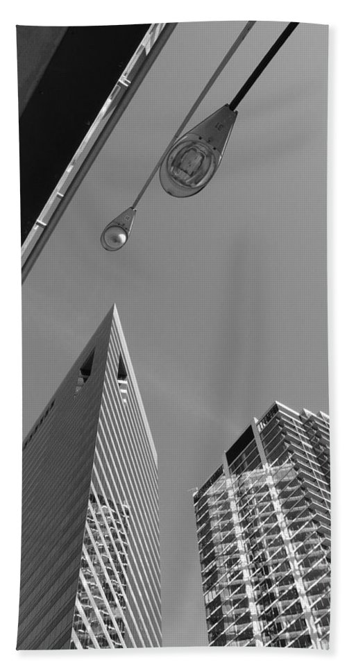 America Hand Towel featuring the photograph Chicago Cityscape by Frank Romeo