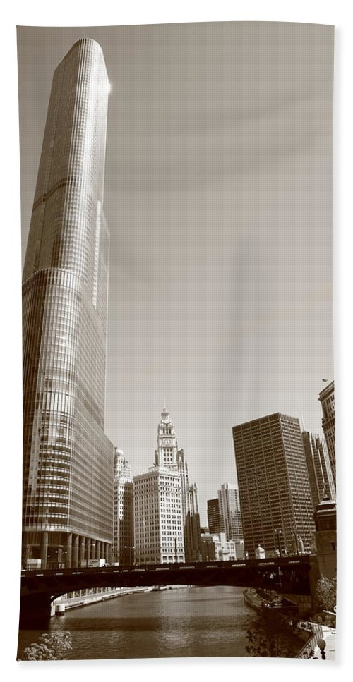America Hand Towel featuring the photograph Chicago River And Skyline by Frank Romeo