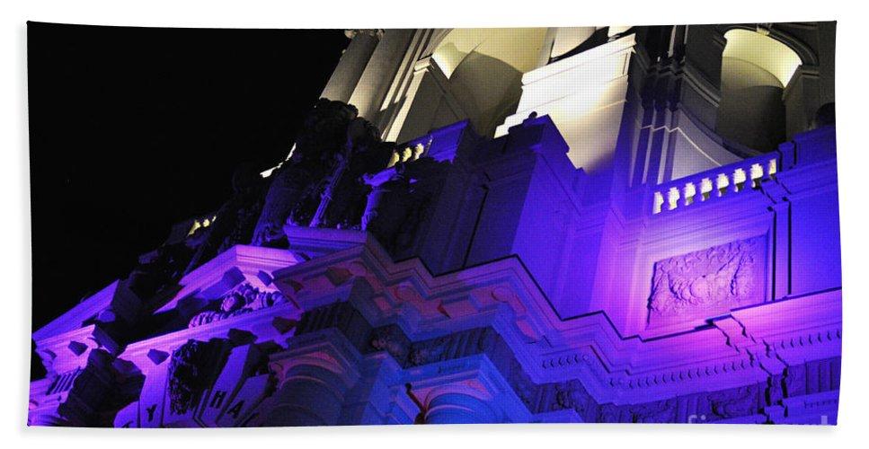 Clay Bath Sheet featuring the photograph City Hall Pasadena California by Clayton Bruster