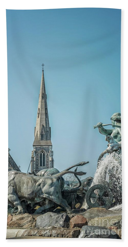 Copenhagen Hand Towel featuring the photograph Copenhagen Gefion Fountain by Antony McAulay