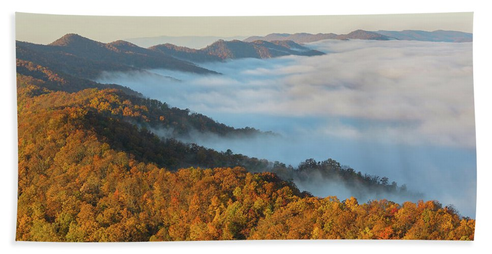 Sunrise Hand Towel featuring the photograph Cumberland Gap by Christian Heeb