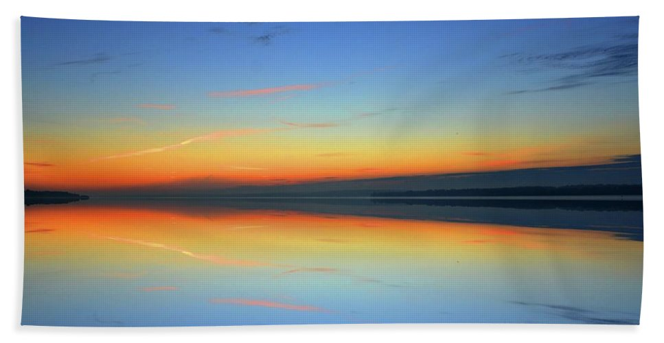 Abstract Hand Towel featuring the photograph Dawn At Kempenfelt Bay Six by Lyle Crump