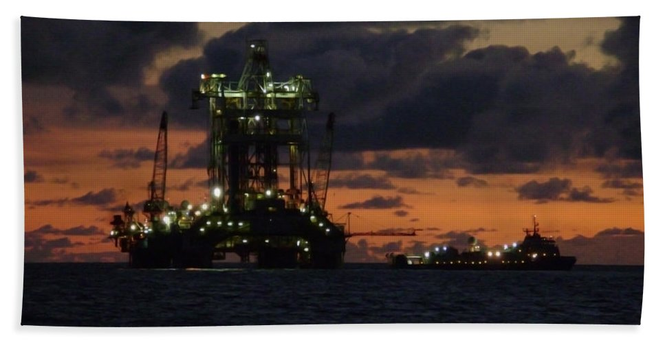 Off Shore Bath Sheet featuring the photograph Drill Rig At Dusk by Charles and Melisa Morrison