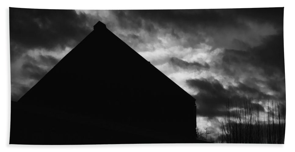 Black And White Hand Towel featuring the photograph Early Morning by Peter Piatt