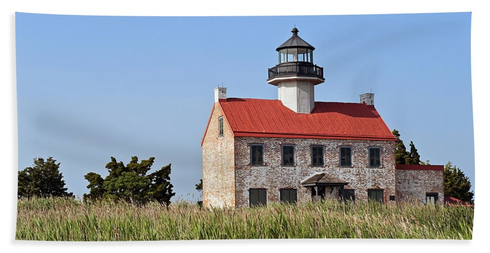 Deleware Bay Bath Sheet featuring the photograph East Point Lighthouse by John Greim