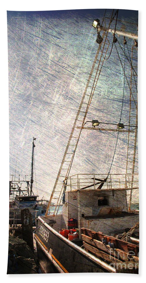 Harbor Hand Towel featuring the photograph Evening In The Harbor by Susanne Van Hulst