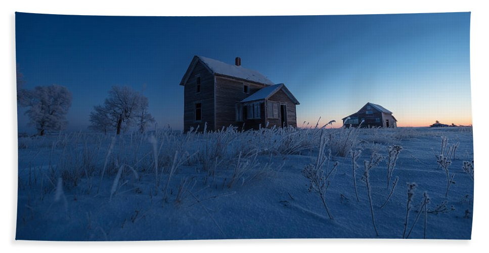 Abandoned Bath Towel featuring the photograph Frozen And Forgotten by Aaron J Groen