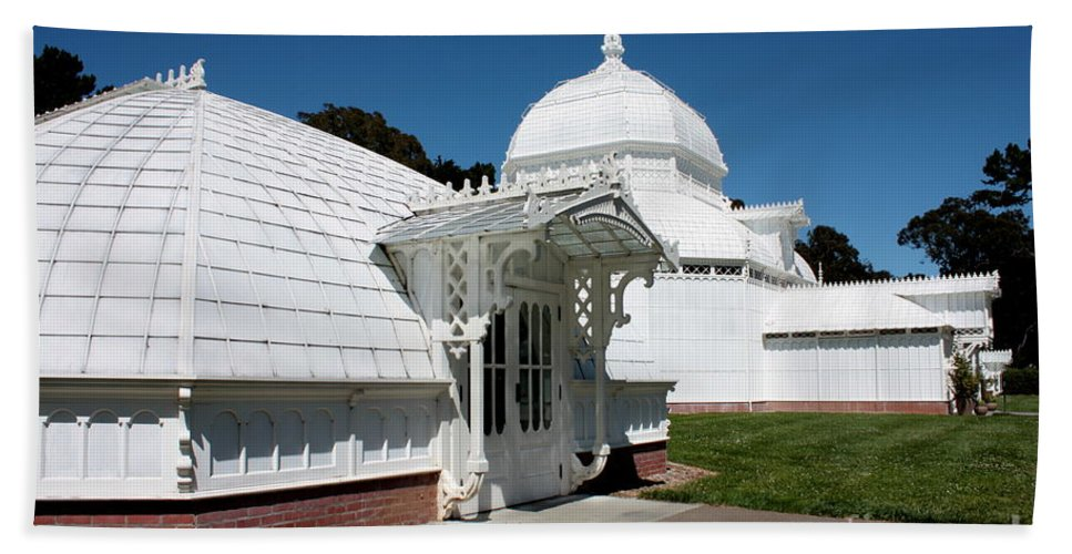 Victorian Bath Towel featuring the photograph Golden Gate Conservatory by Carol Groenen