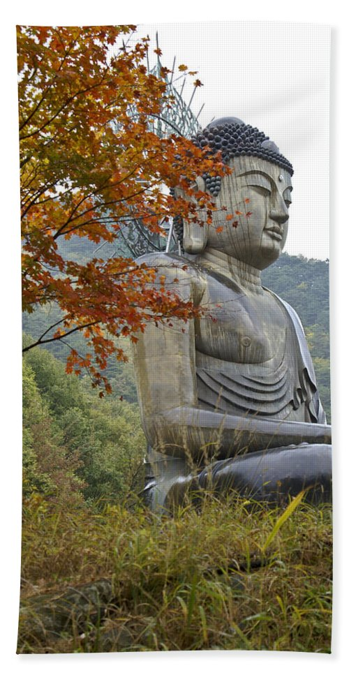 Buddha Bath Towel featuring the photograph Great Buddha In Autumn by Michele Burgess