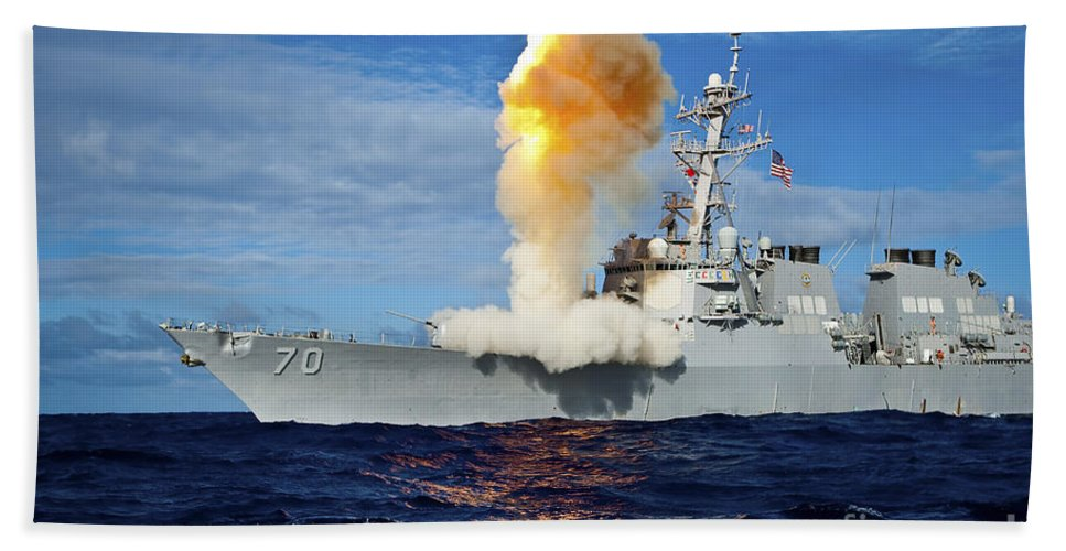 Missile Bath Towel featuring the photograph Guided Missile Destroyer Uss Hopper by Stocktrek Images