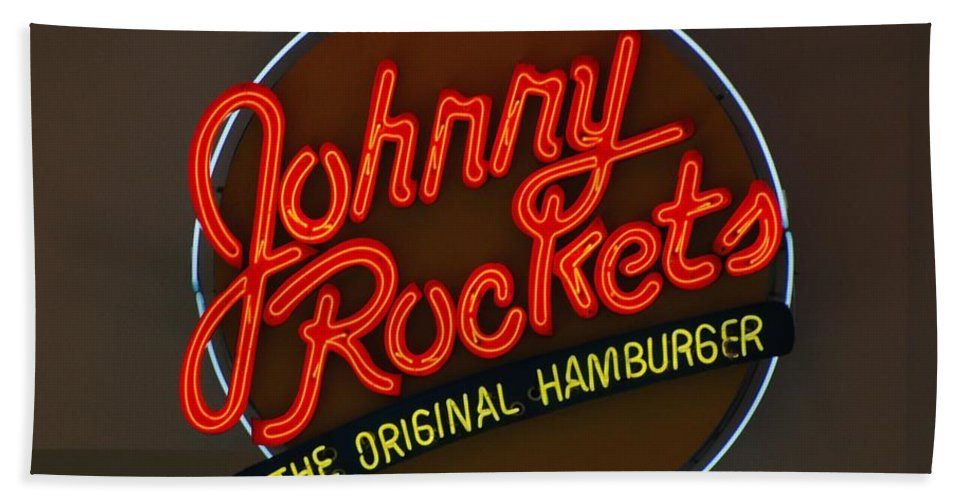 Macro Bath Sheet featuring the photograph Johnny Rockets by Rob Hans