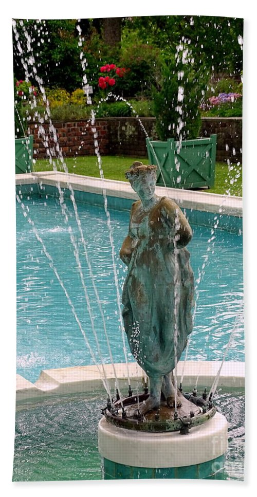Statue Bath Sheet featuring the photograph Lady In Fountain by Ed Weidman