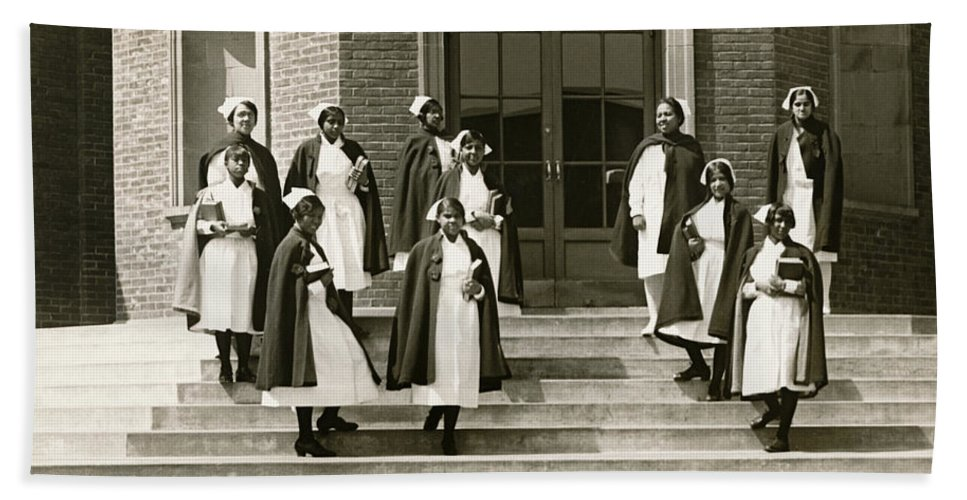 1920s Hand Towel featuring the photograph Lincoln School For Nurses by Underwood Archives