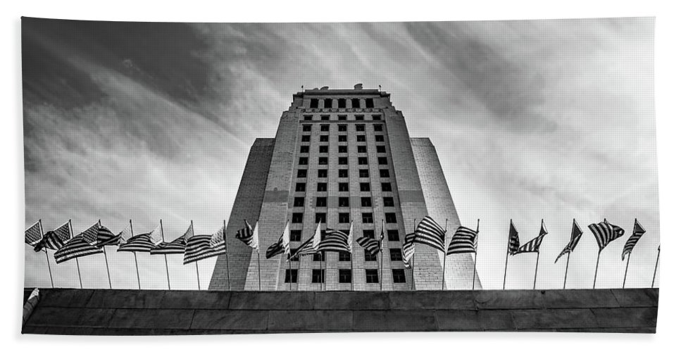 Los Angeles Hand Towel featuring the photograph Los Angeles City Hall by Austin Lee