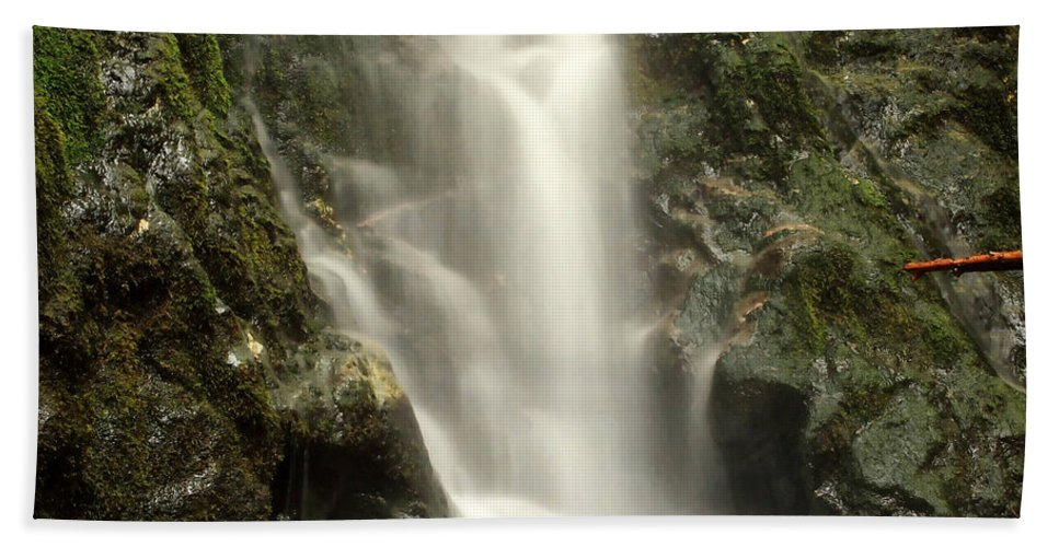 Columbia Gorge Bath Sheet featuring the photograph Madison Falls 2 by Ingrid Smith-Johnsen