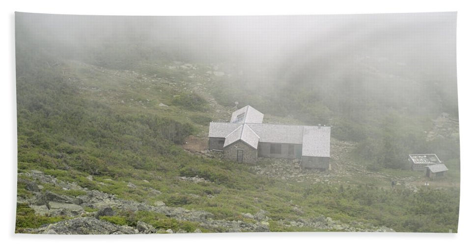Hike Bath Sheet featuring the photograph Madison Spring Hut - White Mountains New Hampshire by Erin Paul Donovan