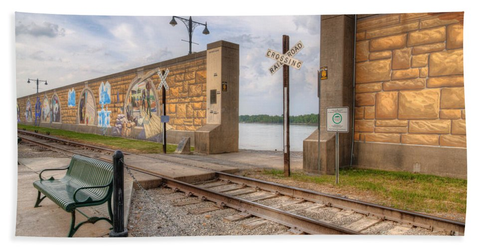2012 Bath Towel featuring the photograph Mississippi River Tales by Larry Braun