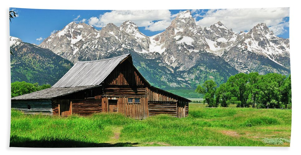 Grand Teton National Park Hand Towel featuring the photograph Moulton Barn by Greg Norrell