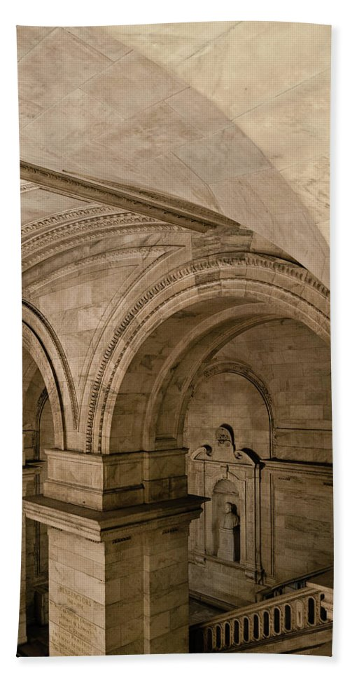 Manhattan Hand Towel featuring the photograph New York Library by Michael Jacobs