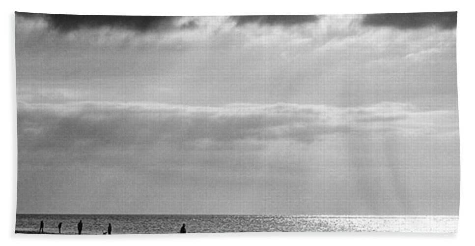 Landscapelovers Bath Towel featuring the photograph Old Hunstanton Beach, Norfolk by John Edwards