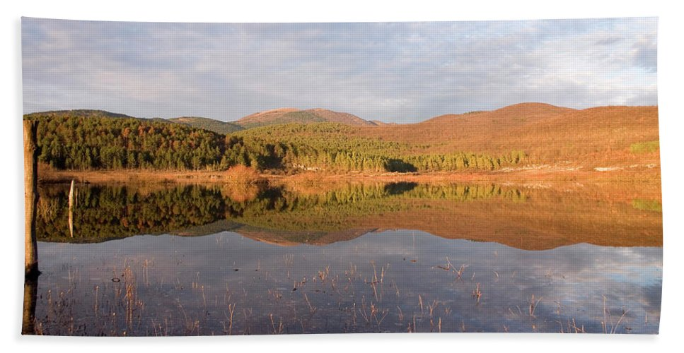 Seasonal Bath Sheet featuring the photograph Palsko Lake by Ian Middleton