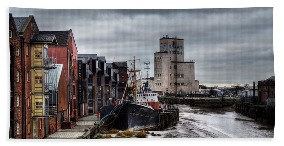 The Arctic Corsair Bath Sheet featuring the photograph River Hull by Sarah Couzens