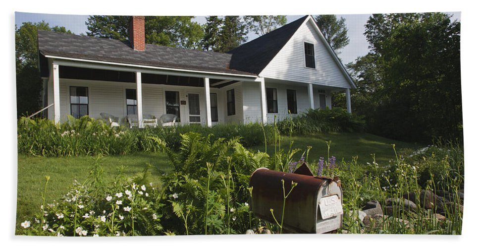 White Mountain National Forest Bath Towel featuring the photograph Robert Frost Homestead - Franconia New Hampshire Usa by Erin Paul Donovan