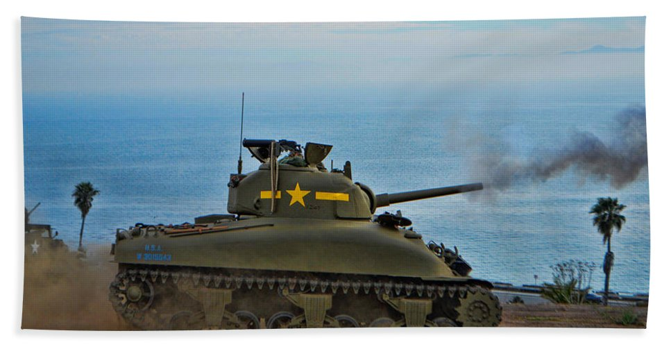 California Hand Towel featuring the photograph Rolling Thunder by Tommy Anderson