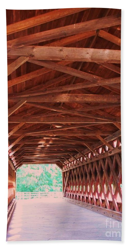 Gettysburg Hand Towel featuring the painting Sachs Bridge by Eric Schiabor