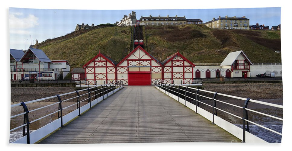 Saltburn By The Sea Hand Towel featuring the photograph Saltburn On Sea by Smart Aviation
