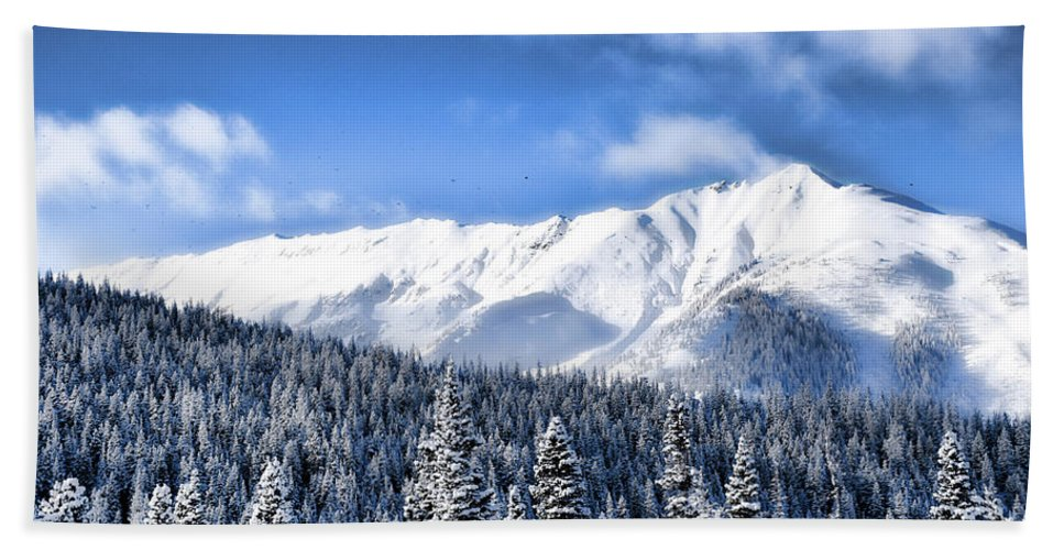 Hand Towel featuring the photograph Snowmass by Heath Bollock