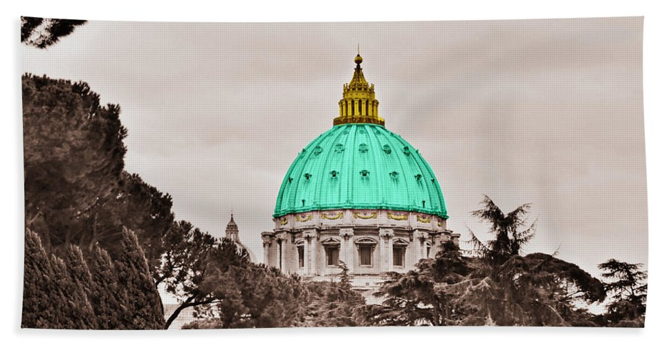 Saint Bath Towel featuring the photograph St. Peters Basilica by Eric Liller