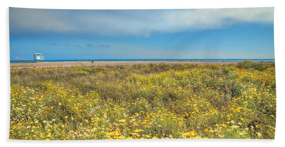 Venutra Bath Towel featuring the photograph Sunny Side Up by Lynn Bauer