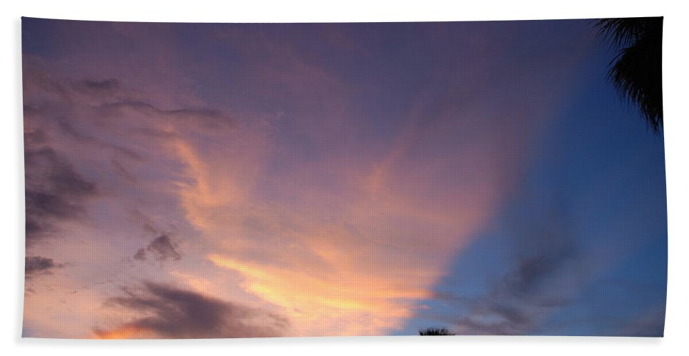 Sunset Bath Towel featuring the photograph Sunset At Pine Tree by Rob Hans